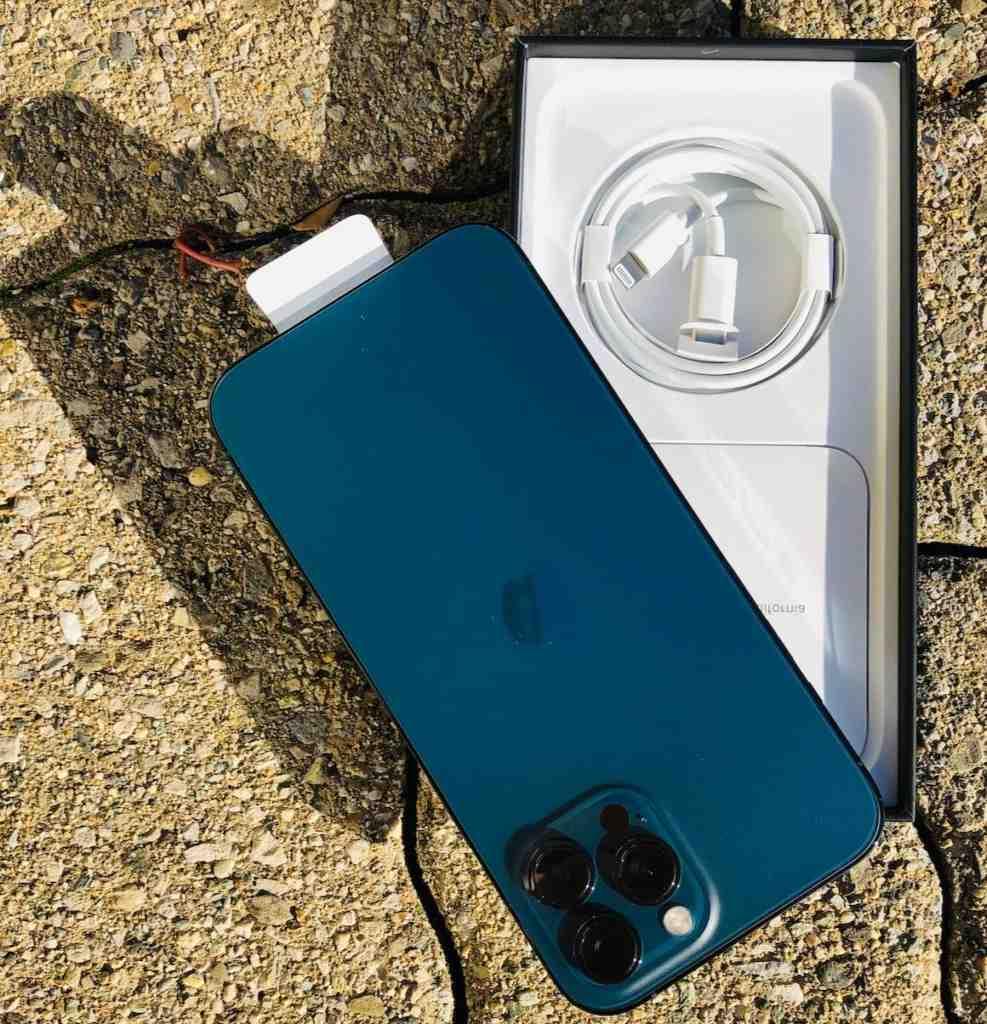 L'Iphone 12 pro max peut utiliser 2 cartes SIM