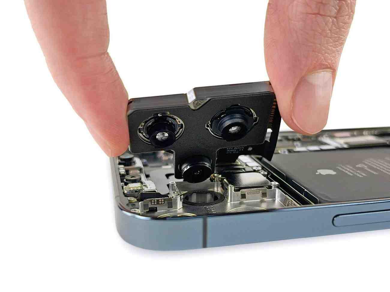 L'iphone 12 pro max peut-il se charger en sens inverse ?
